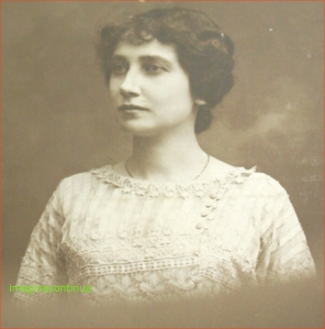 FRUMOASA MIMI IN 1914