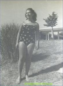 Frumoasa Germaine, circa 1944.