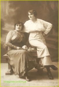 Doua domnisoare de altadata, perioada interbelica, circa 1920