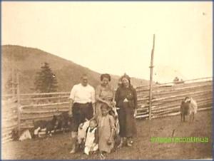 In vizita la stana, circa 1925-1926