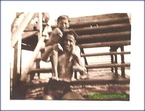 Zambete pe malul marii in perioada interbelica, circa 1930