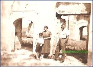In vizita la ruine, circa 1930