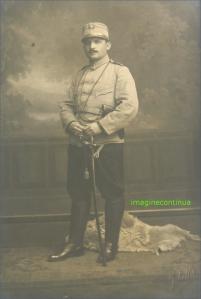 Tanar ofiter in uniforma, circa 1912