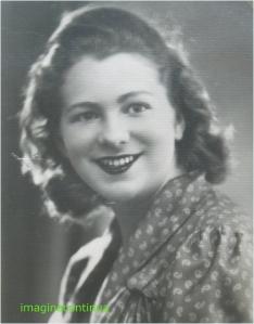 Portretul unei tinere fete de altadata, circa 1944