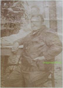 Barbat cu tigara, circa 1915-1916