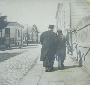 Pe i strada din Braila in perioada interbelica, circa 1939-1940