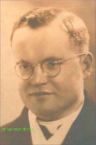 Preotul OTTO JOSSE in anul 1942