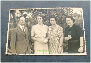 Domn in compania a trei doamne din Braila