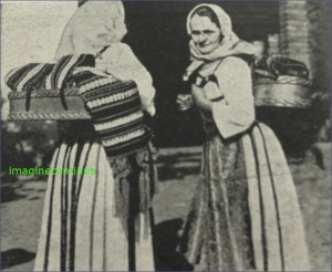 Femei din Banat in costum popular, circa 1939.