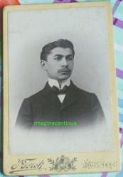 Tanar cu mustacioara, circa 1895-1900